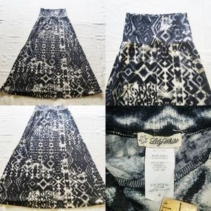 Women Lily White Long Maxi Skirt Geometric Pattern